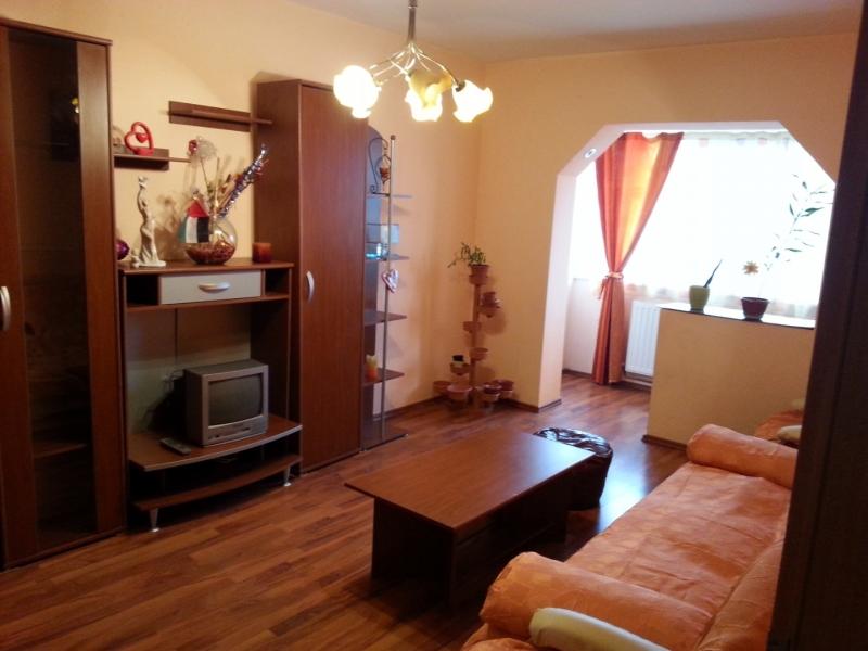 Proprietar, vand apartament 3 camere, decomandat, zona Lipovei-1