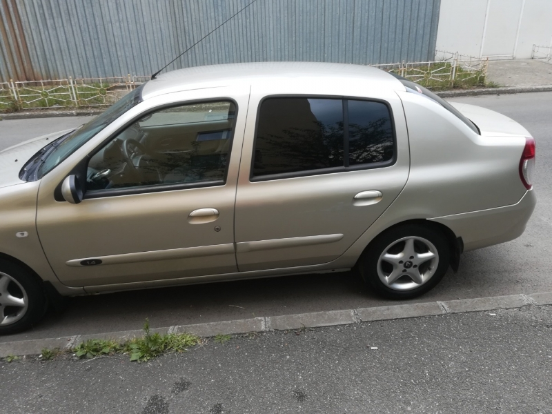 Renault symbol -6
