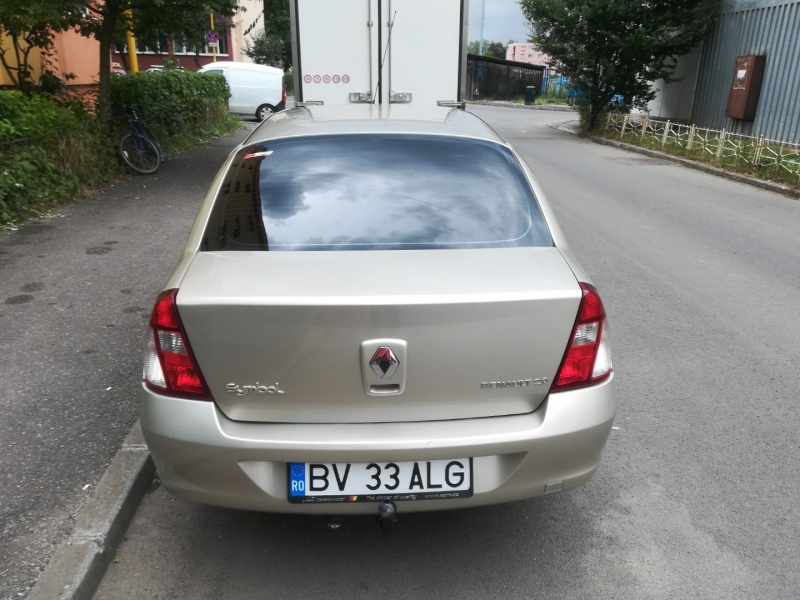 Renault symbol -8
