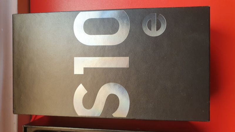 Samsung S10e-8