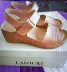 Sandale noi Lasocki din piele pentru femei mărimea 37