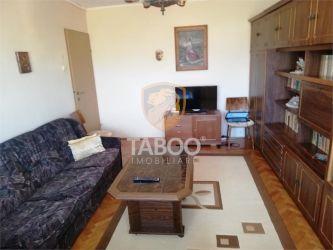 Se vinde apartament cu 3 camere decomandate si balcon in zona Garii