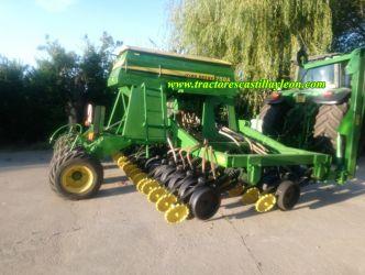 Semănătoare John Deere 750A de vânzare