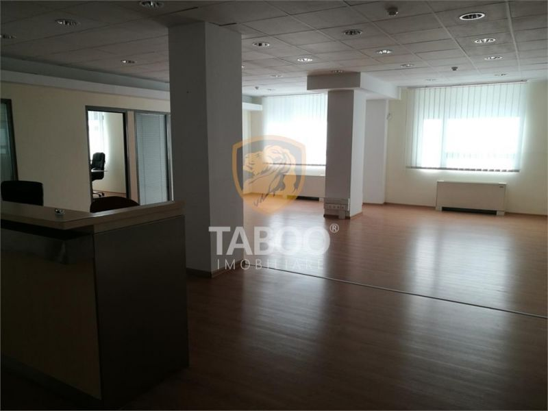 Spatiu birouri de inchiriat pretabil pentru sediu banca in Sibiu-1