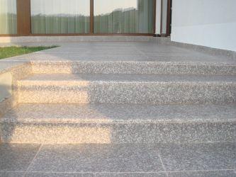 Trepte cu contratrepte granit antiderapant Rocas Decor