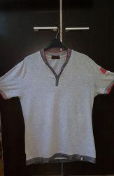 Tricou GRI stil  V  mărimea  XL  ideal pentru adolescenți sau adulți