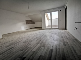 Vand apartament 2 camere