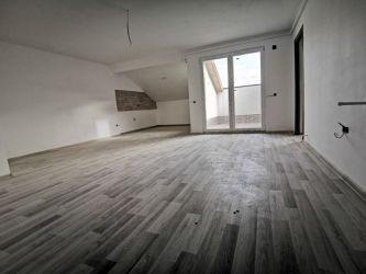 Vand apartament 2 camere Nicolae Labis