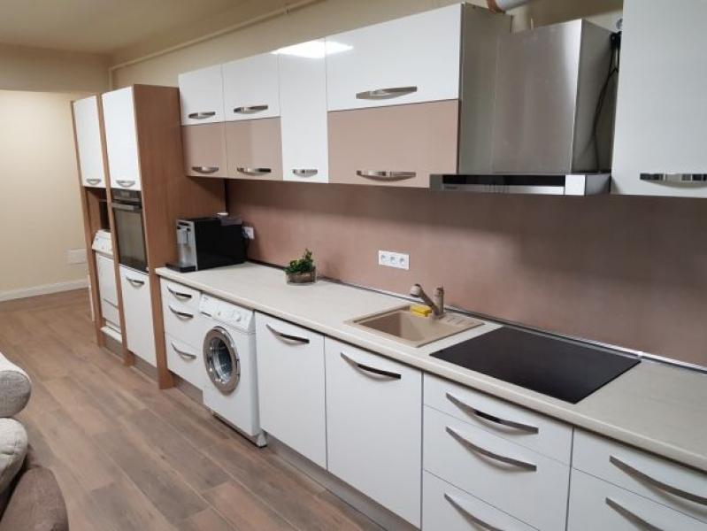 Vând apartament 3 camere Baciu 75 mp -1