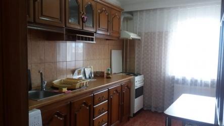 Vand apartament 3 camere, confort I, decomandat