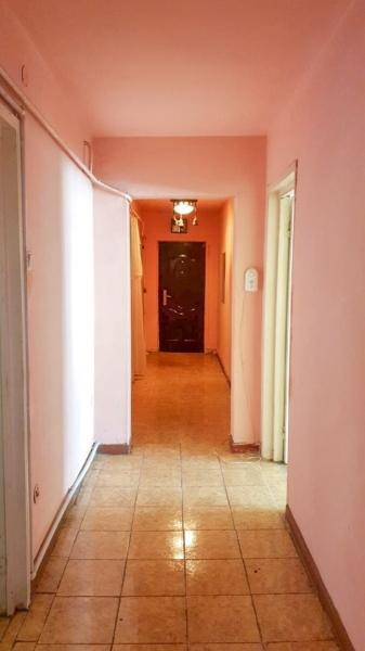 Vand apartament 3 camere - Craiovita Noua-1