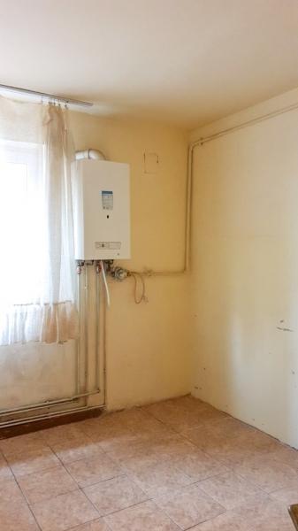 Vand apartament 3 camere - Craiovita Noua-4
