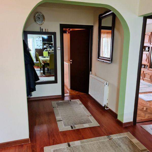 Vand apartament 3 camere,Marasti zona I, str. Ciocarliei-3