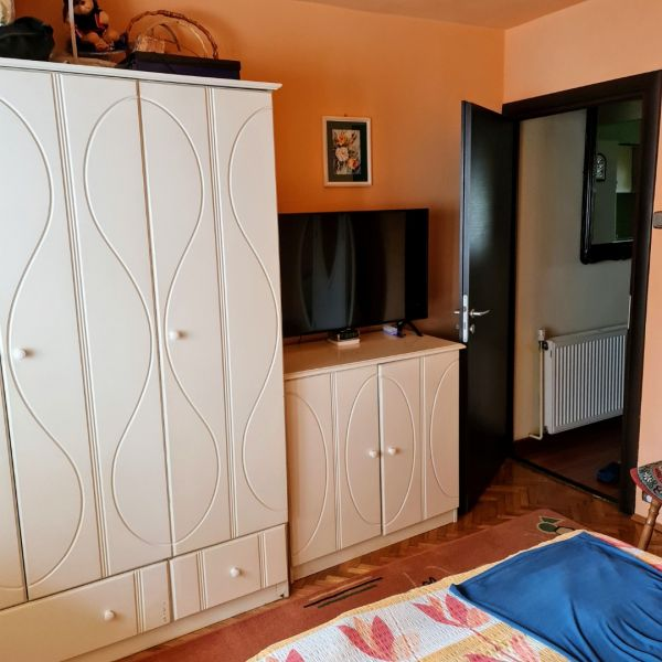 Vand apartament 3 camere,Marasti zona I, str. Ciocarliei-11