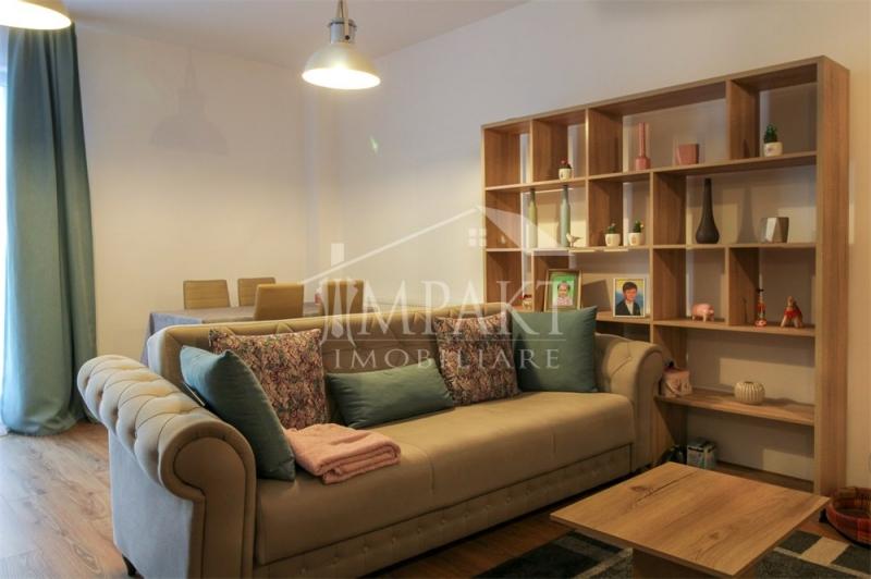 Vand apartament cu 2 camere+garaj in Zorilor-1