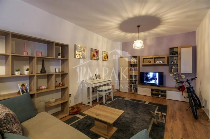 Vand apartament cu 2 camere+garaj in Zorilor-2