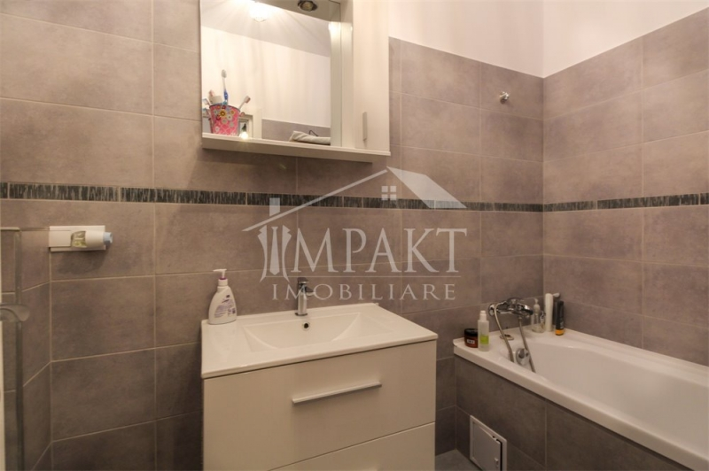 Vand apartament cu 2 camere+garaj in Zorilor-5