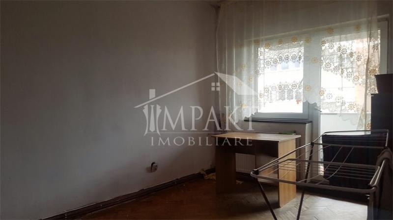 Vand apartament cu 4 camere decomandate in Gheorgheni-2