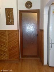 Vând apartament cu trei camere decomandat
