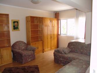 Vand apartament doua camere In Baile Herculane