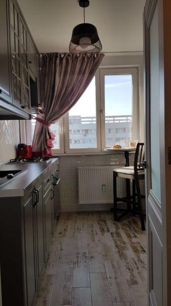 Vând apartament in Bucuresti cu 2 camere zona Titan-4
