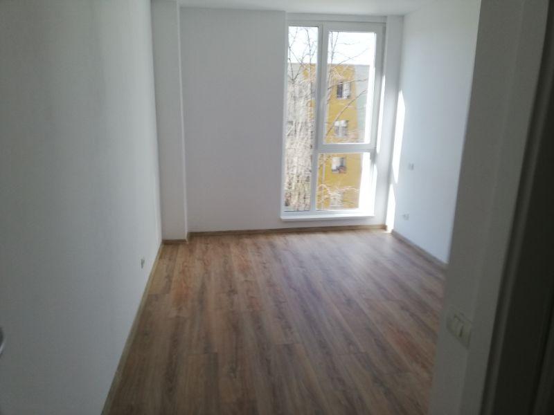 vand apartament nou,3 camere si garaj-10