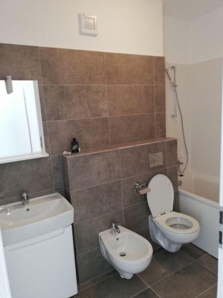 vand apartament nou,3 camere si garaj-11