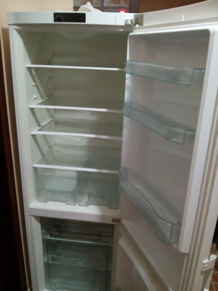 Vând combina frigorifica-2