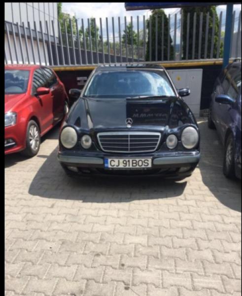 Vand Mercedes E Class-1
