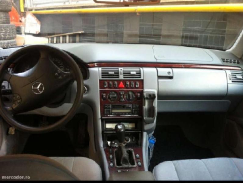 Vand Mercedes E Class-3