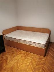 Vând pat nou 120cm cu saltea perfecta stare. Bonus Birou calculator