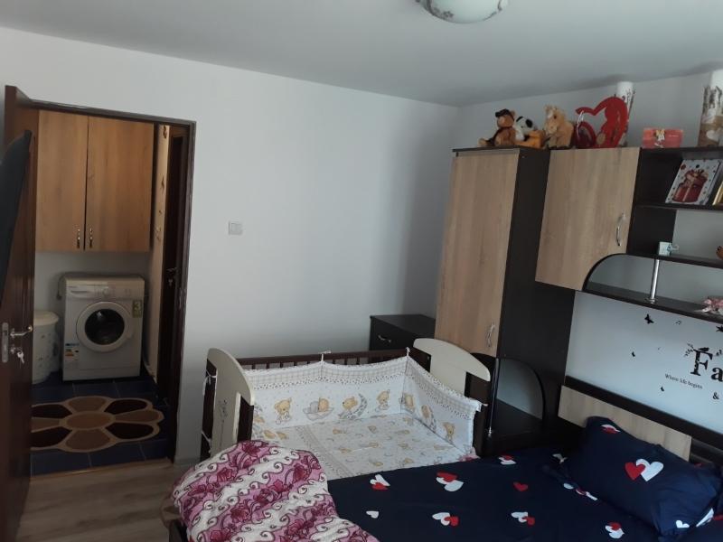 Vand sau schimb apartament in Piatra Neamt cu 2 camere-3
