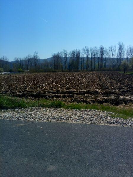 Vand teren  9000mp pe malul lacului in Bujoreni. Rm Valcea-1