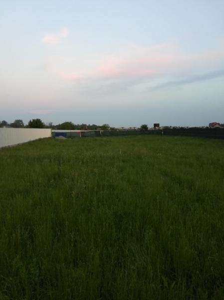 Vând teren intravilan -8