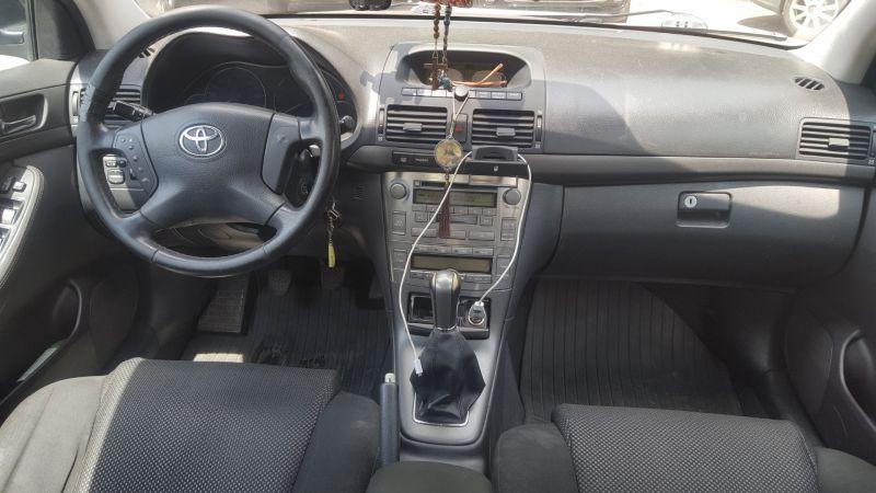 Vând Toyota AvensisD4D-5