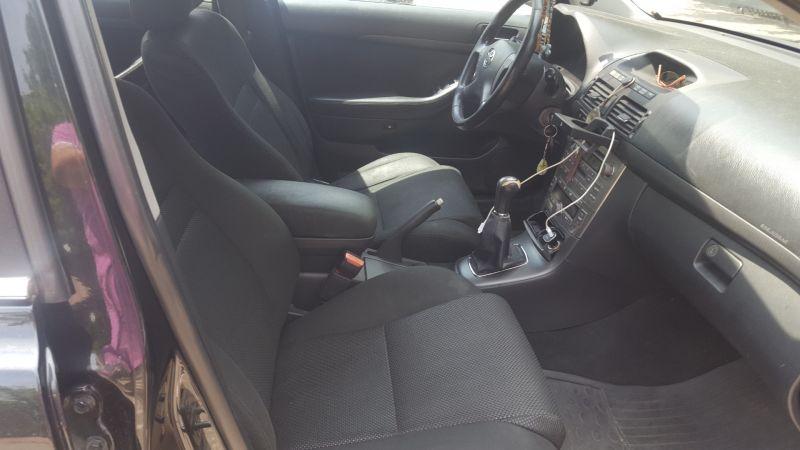 Vând Toyota AvensisD4D-6