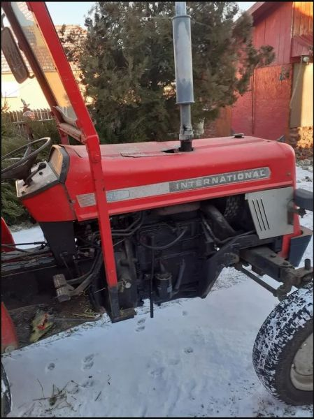 Vand Tractor International 454 si Accesorii-2