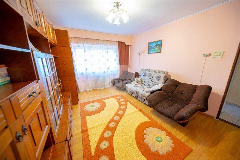 Vanzare Apartament, Decomandat, 3 Camere, 65 mp, Zona Kaufland Marasti-1