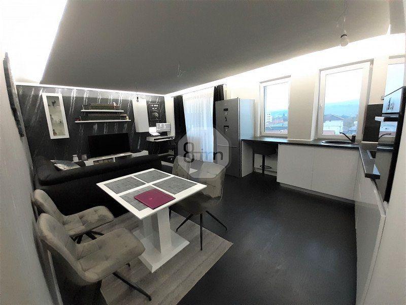 Vanzare Apartament, Semidecomandat,2Camere, 48.5mp, Zona Fabricii !-1