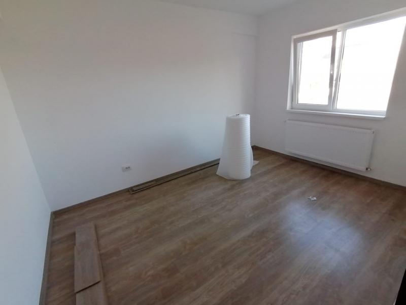 Vanzare vila p+2, 4 camere, adiacent soseaua oltenitei, langa lidl-9