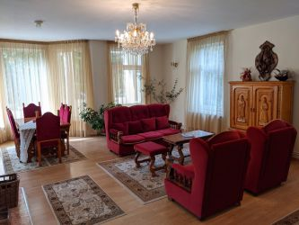 Vila primitoare, insorita si spatioasa Rasnov