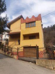 Vila Ramnicu Valcea, Str. Pictor Constantin Iliescu nr. 1A, jud.Valcea