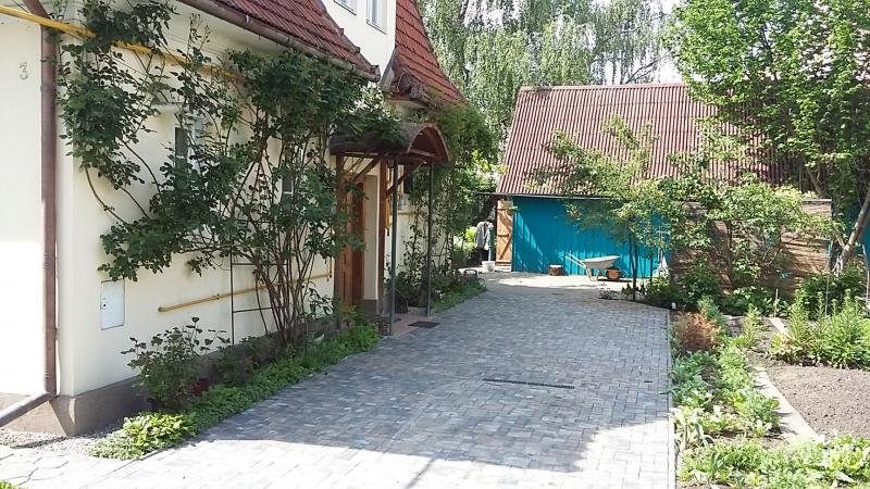 Zona Garii - De vanzare 2 apartamente la casa, parter si mansarda-6
